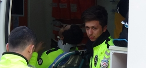 Polis aracı otomobille çarpıştı: 1 polis memuru yaralı
