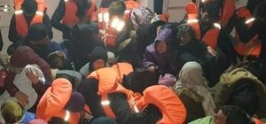 Kuşadası'nda 54 kaçak göçmen yakalandı