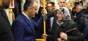 """(Özel) Bursa'da metroya üçüncü indirim yolda Bursa Büyükşehir Belediye Başkanı Alinur Aktaş: """"Sinyalizasyon düzenlemesini bitirdiğimizde metro 2 dakikada bir gelecek. Günlük 287 bin olan yolcu taşıma sayısı 460 bine çıkacak"""" """"Daha çok yolcu taşıdığımızda metroyu biraz daha ucuzlatacağız, daha çok tercih edilecek"""""""