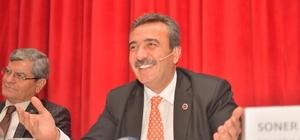 """Çetin: """"Örnek alınmak güzel"""" Çukurova Belediye Başkanı Soner Çetin, yeni seçilen başkanların makam araçlarını satılığa çıkarması uygulamasını 5 yıl önce hayata geçirdiğini hatırlattı"""
