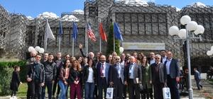 Avrupa'nın ortasında Türk bayrağını dalgalandıran hemşehrileri ile buluştular