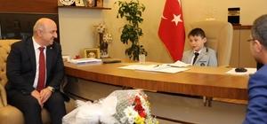 Başkan Bıyık, koltuğu devretti