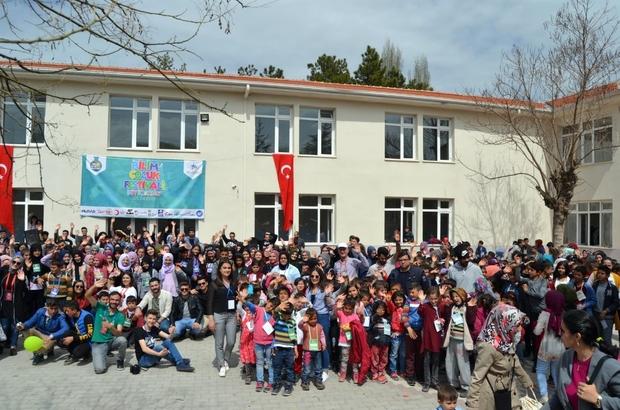 Bilim aşığı çocuklar festivale akın etti Büyükorhan'da Bilim Festivali