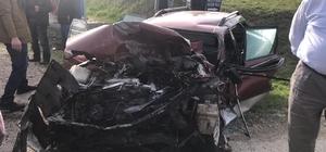 Bursa'da faciadan dönüldü Otomobilin çarptığı traktör yolcu minibüsüne çarparak durabildi, 3 kişi yaralandı