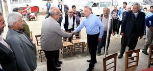 """Başkan Akay: """"Kırsal kalkınmayı Seyhan'da başlatacağız"""" Seyhan Belediye Başkanı Akif Kemal Akay, Gökçeler, Gölbaşı, Küçük Çıldırım, Köylüoğlu ve Çaputçu mahallelerinde vatandaşlarla bir araya geldi"""