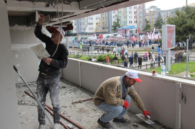 """İşçiler yürüdü, onlar çalışmaya devam etti """"Ekmek parası için çalışmaya mecburuz"""""""