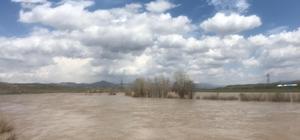 Aras Nehri'nde su seviyesi yükseldi
