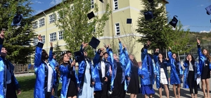 DPÜ Pazarlar Meslek Yüksekokulu'nda mezuniyet coşkusu