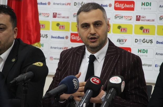 """Eskişehirspor Başkanı Kaan Ay görevini bıraktığını açıkladı Eskişehirspor'da deprem Eskişehirspor Başkanı Kaan Ay: """"Yalan yanlış bilgilerle insanların beynini yıkadılar"""" """"Ben vicdanen rahatım"""" """"Başarısız mıyız da istifaya davet ediliyoruz?"""" """"Bu markayı, bu bayrağı yere düşürmedik"""""""