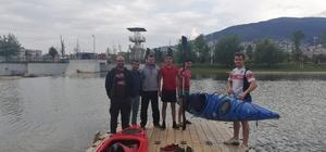 Gemlik'te denizcilik öğrencilerine kano eğitimi