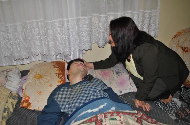 Sarıcakaya'da örnek bir çalışma Kaymakam eşi Banur Mercan ile Belediye Başkanı eşi Atiye Ural Çam 25 aileyi tek tek ziyaret etti Engelli çocuk sahibi annelerin talep ve önerileri kayıt altına alındı