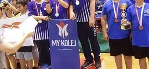 My Kolej'den masa tenisinde büyük başarı