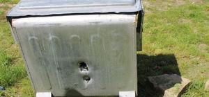 Çöp konteynerleri hedef tahtasına döndü