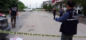 Aracıyla seyir halindeyken silahlı saldırıya uğradı
