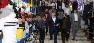 Başkan Sekmen Halk Pazarı'nı gezdi