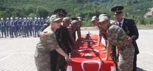 Engellilerin askerlik heyecanı Giresun'da 35 zihinsel ve bedensel engelli genç 1 günlüğüne asker olmanın heyecanını yaşadı