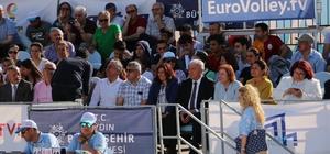 Başkan Çerçioğlu, plaj voleybolu heyecanına ortak oldu