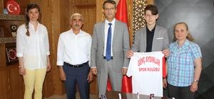 Özel sporcu Arda, 3 dalda Türkiye şampiyonu oldu