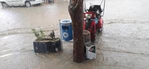 Pazaryeri'nde şiddetli yağmur hayatı olumsuz etkiledi Alınan tedbirler su baskınlarını önledi