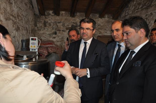 """Erzurum Ticaret Borsası tarafından yürütülen """"Soğuk Zincir Süt Kurulumu """" Projesi start aldı Erzurum Valisi Okay Memiş, Süt Projesi kapsamında gerçekleştirilen çalışmaları yerinde inceledi"""