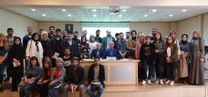 Duayen Gazeteci genç iletişimcilerle buluştu