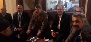 Kaymakam ve Belediye Başkanı iftar sonrası vatandaşlarla çay içip sohbet etti
