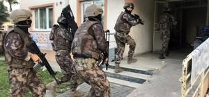 """""""Bayram şekeri"""" ne  41 gözaltı Bursa'da 600 polisin katıldığı dev operasyonda 41 şüpheli gözaltına alınırken çok miktarda uyuşturucu madde ele geçirildi"""