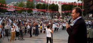 """Seçer, Anamur halkı ile iftarda buluştu Mersin Büyükşehir Belediye Başkanı Vahap Seçer: """"İftar sofraları benim huzur buluğum yer"""""""