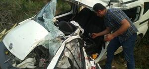 Beton mikseri ile hafif ticari araç çarpıştı, 1 kişi öldü