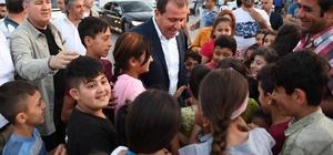 """Seçer: """"Birbirimizi yaralayan, gerginliğin halka yansıdığı dili kullanmamamız lazım"""" Mersin Büyükşehir Belediye Başkanı Vahap Seçer, Karacailyas Mahallesi'nde vatandaşlarla iftar programında buluştu"""