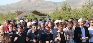 Sivas'ta ilçe halkı yağmur duasına çıktı