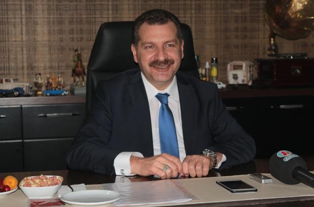 """Başkan Yılmaz, şehir gündemini değerlendirdi Balıkesir Büyükşehir Belediye Başkanı Yücel Yılmaz """" Balıkesir'i 20 ilçe belediyesiyle birlikte yönetiyoruz"""" """" Türkiye'nin en güzel şehrinin, en şanslı belediye başkanıyım"""" """" Bal-Kes sevdamız ama doğru kurumsallaşmayan bir şey sürdürülebilir değildir"""" """" Atılan manşetler, söylenen cümleler, kendi dünyaları küçük insanlara ben gülüyorum"""" """" Balıkesir çocukları kabiliyetsiz mi?"""""""