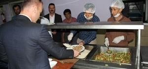 Ağrı Milli Eğitim Müdürü Tekin, öğrencilerle birlikte iftarını açtı