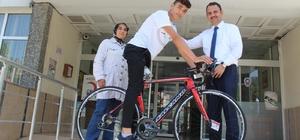 Bisikletsiz şampiyona Kaymakam desteği
