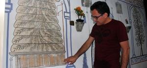 Cennetin 8 kapısının tasvir edildiği cami Giresun'un Yağlıdere ilçesinde bulunan 'Hacı Abdullah Halife Cami' mimarisi ve süslemeleri ile dikkat çekiyor