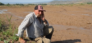 Kızılırmak havzasında çeltik arazileri susuzluktan kurumaya başladı Çeltik tarlalarına verilen suyun HES tarafından kesildiğini iddia eden çeltik üreticileri yetkililerden yardım istedi Su sorunu çözülmezse yıllık 30 bin ton çeltik üretimi yapılan bölgede rekoltede büyük bir düşüş yaşanacağı ifade ediliyor