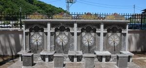 Hayırseverin yaptırdığı çeşmenin motifleri tartışma konusu oldu Görele Belediyesi tarafından eleştiri konusu olan haç işaretini anımsatan çeşme motifleri kaldırıldı