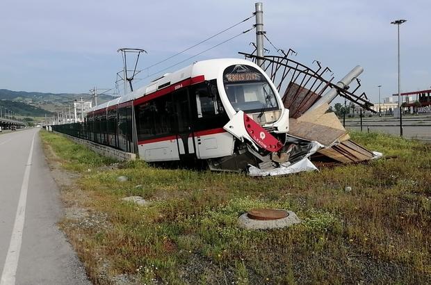 Servis dışı tramvay hat dışına çıktı