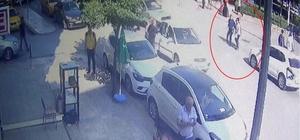 Karşıya geçmek isteyen anne ve kızına otomobil çarptı Kaza anı güvenlik kameralarına yansıdı