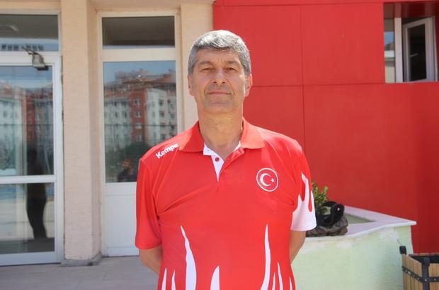 """A Milli Erkek Hentbol Takımın hedefi Avrupa Şampiyonası Milli Takım Kuzey Makedonya maçı için Eskişehir'de Başantrenör İlker Şentürk; """"Türk hentbolu adına bir tarih yazmak istiyoruz"""" """"Hentbolu bir adım yukarı taşımak istiyoruz"""" """"İzlanda'ya biz de gideceğiz, aynı kuşkuyu biz de taşıyoruz"""""""