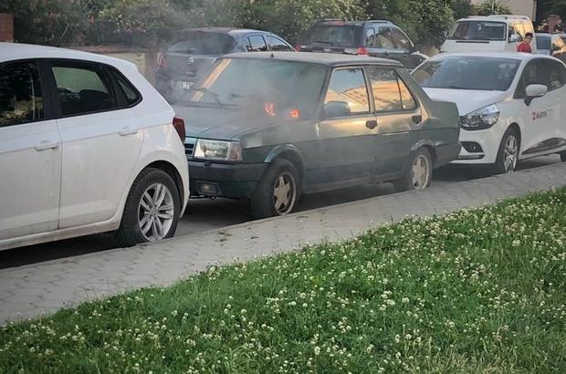 Park halindeki araçta çıkan yangın korkuttu Elektrik kaçağından çıkan yangın paniğe neden oldu