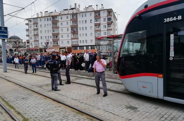 Kayseri'de tramvayın altında kalan bir kişi yaralandı