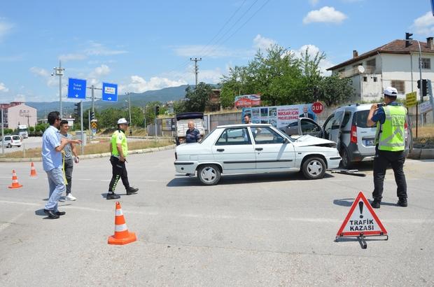 Tokat'ta otomobiller çarpıştı: 10 yaralı