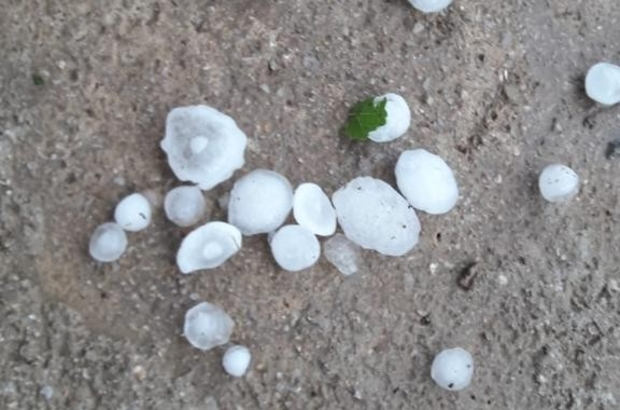 Samsun'da dolu yağışı Ceviz büyüklüğünde dolu yağdı