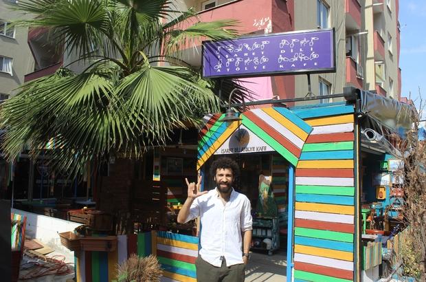 (Özel) Bu kafede siparişler işaret diliyle alınıyor İşaret diliyle konuşanlar kafeye gidebilmek için bu mahalleye taşınıyor