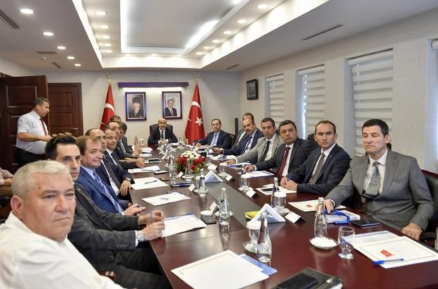 """Adana'da uyuşturucuya kameralı önlem Madde kullanımı açısından riskli park ve rekreasyon alanlarına güvenlik kamera sistemi kurulacak Vali Demirtaş: """"Uyuşturucunun üretim, satış ve kullanım zincirlerini kıracağız"""""""