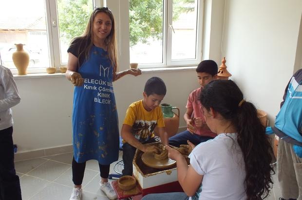 Çömlekçilik mesleğini ilkokulda öğreniyorlar Öğrencilere okulda çömlek dersi