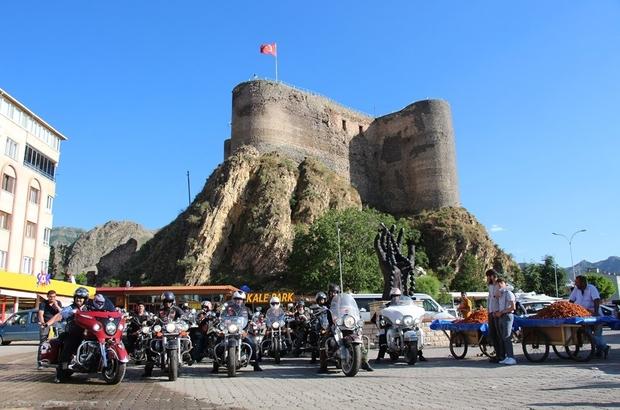 Türk Chopper Motosiklet Kulübü üyeleri Oltu'ya hayran kaldı