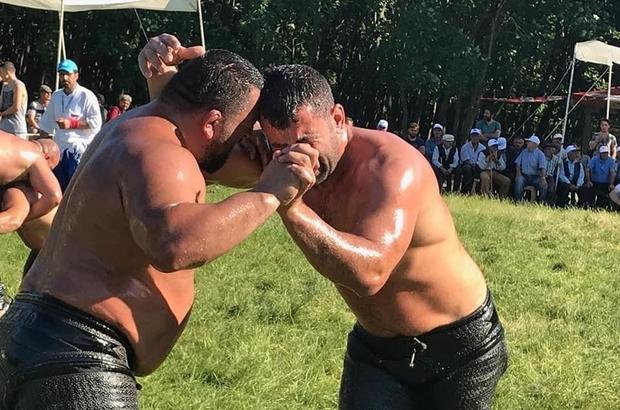 Yağlı güreşler kıran kırana geçti Sincansarnıç'ın başpehlivanı Kaya oldu