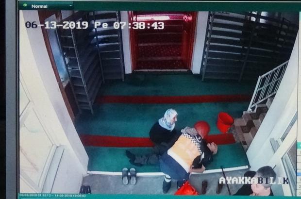 Hayat arkadaşı ellerinde can verdi Ecel camide yakaladı